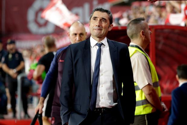 Barca thảm bại trước đội bóng mới lên hạng cùng loạt thống kê siêu tệ hại, fan đồng loạt kêu gọi sa thải ông thầy được Messi hết lòng ủng hộ - Ảnh 9.