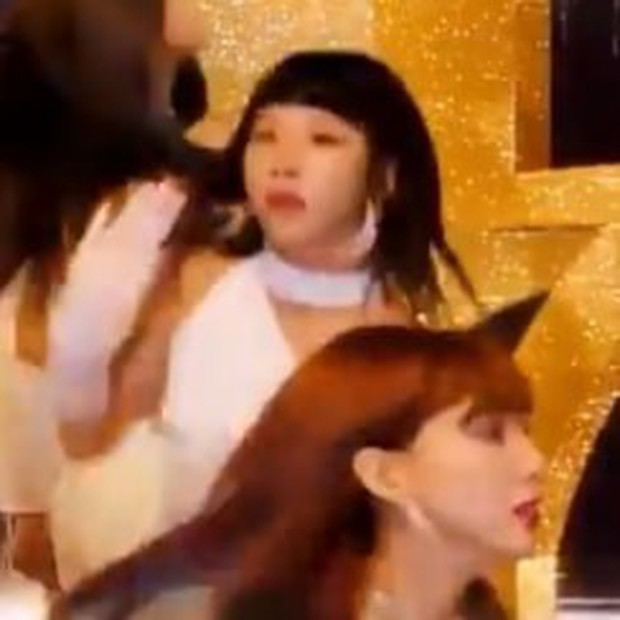 TWICE tung teaser MV: Nhạc catchy và vũ đạo cực ấn tượng, nhưng fan lại cười bò với sự xuất hiện đặc biệt của... Trang Hý - Ảnh 3.