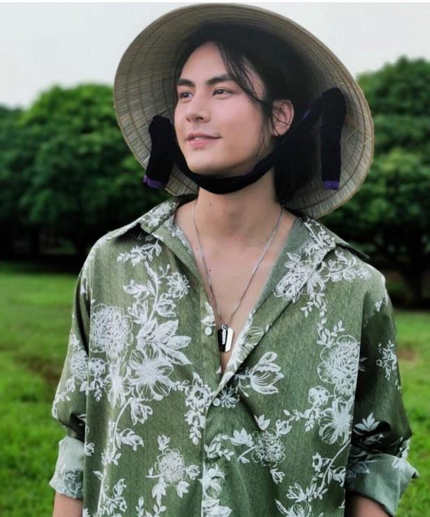 Hội mê trai truỳ lùng info hot boy Thái nuôi tóc dài trong MV Đinh Hương: Body 6 múi cuồn cuộn, nhan sắc khiến con gái ghen tỵ - Ảnh 3.