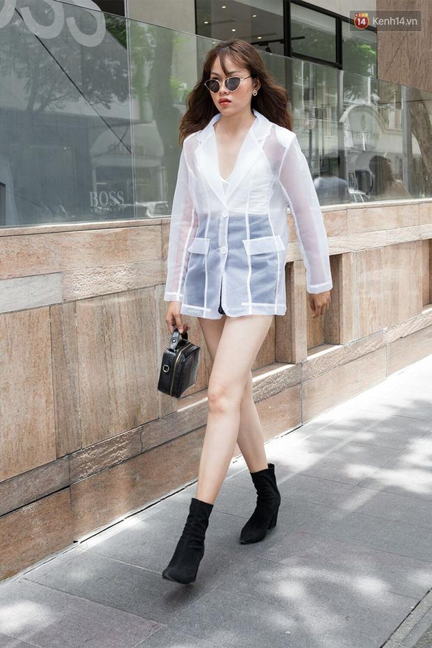 Street style giới trẻ Việt: Đã lên đồ siêu cool, các bạn trẻ còn pose chất quá trời quá đất, chẳng thua fashion icon nào - Ảnh 18.