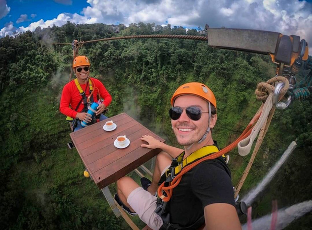 Muốn thử cảm giác mạnh ở Lào, đu đưa ngay trên võng và uống cafe giữa thác nước cao 140m này đi! - Ảnh 15.