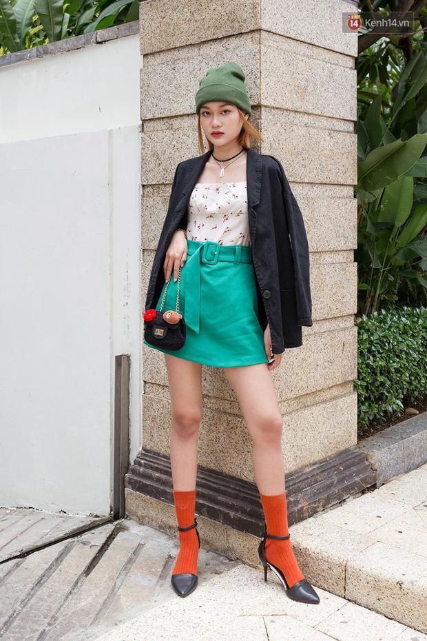 Street style giới trẻ Việt: Đã lên đồ siêu cool, các bạn trẻ còn pose chất quá trời quá đất, chẳng thua fashion icon nào - Ảnh 2.