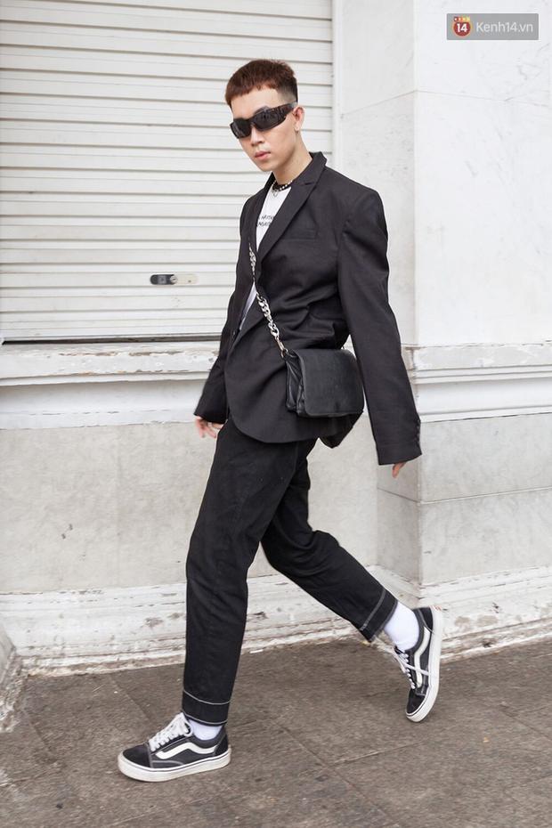 Street style giới trẻ Việt: Đã lên đồ siêu cool, các bạn trẻ còn pose chất quá trời quá đất, chẳng thua fashion icon nào - Ảnh 21.