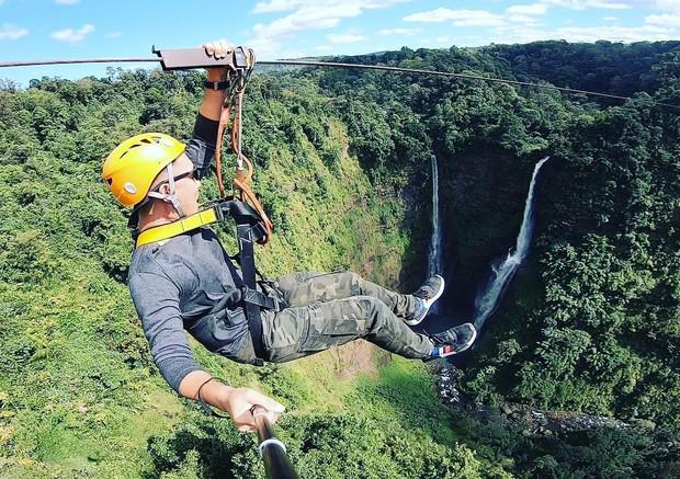 Muốn thử cảm giác mạnh ở Lào, đu đưa ngay trên võng và uống cafe giữa thác nước cao 140m này đi! - Ảnh 14.