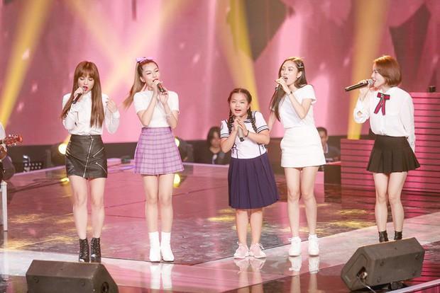 Giọng hát Việt nhí: Lưu Thiên Hương khóc nức nở trên sân khấu khi xem học trò hát tặng mẹ bị ung thư - Ảnh 5.