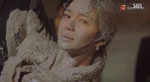 3 kiểu nhúng người chua như bò nhúng dấm: Lee Seung Gi luộc đầu khủng bố vẫn không sợ bằng màn nhấn vào xi măng - Ảnh 8.