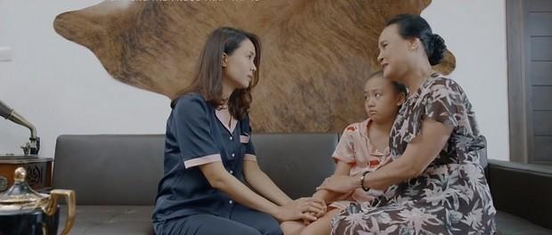 Chị em phụ nữ trong Hoa Hồng Trên Ngực Trái: Khổ từ trong trứng nước tới tận lúc về già - Ảnh 3.
