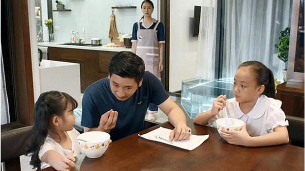Chị em phụ nữ trong Hoa Hồng Trên Ngực Trái: Khổ từ trong trứng nước tới tận lúc về già - Ảnh 2.