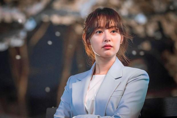 5 trường hợp khốn đốn vì đi làm thêm trong phim: Goo Hye Sun lẫn Quỳnh Kool đều bị yêu râu xanh quấy rối tình dục! - Ảnh 3.