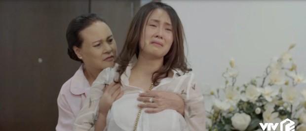 Chị em phụ nữ trong Hoa Hồng Trên Ngực Trái: Khổ từ trong trứng nước tới tận lúc về già - Ảnh 8.