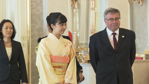 Sau màn lột xác ngoạn mục, Công chúa Nhật Bản gây thất vọng với vẻ ngoài kém sắc vì sự lựa chọn thiếu tinh tế trong chuyến đi mới nhất - Ảnh 2.