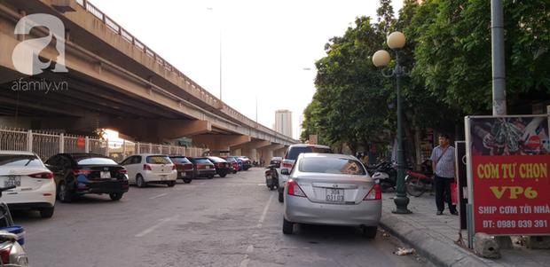 Người dân treo băng rôn đòi sổ hồng ở chung cư ông Thản, bức xúc chỗ để xe quá tải phải phơi nắng ngoài sân - Ảnh 11.