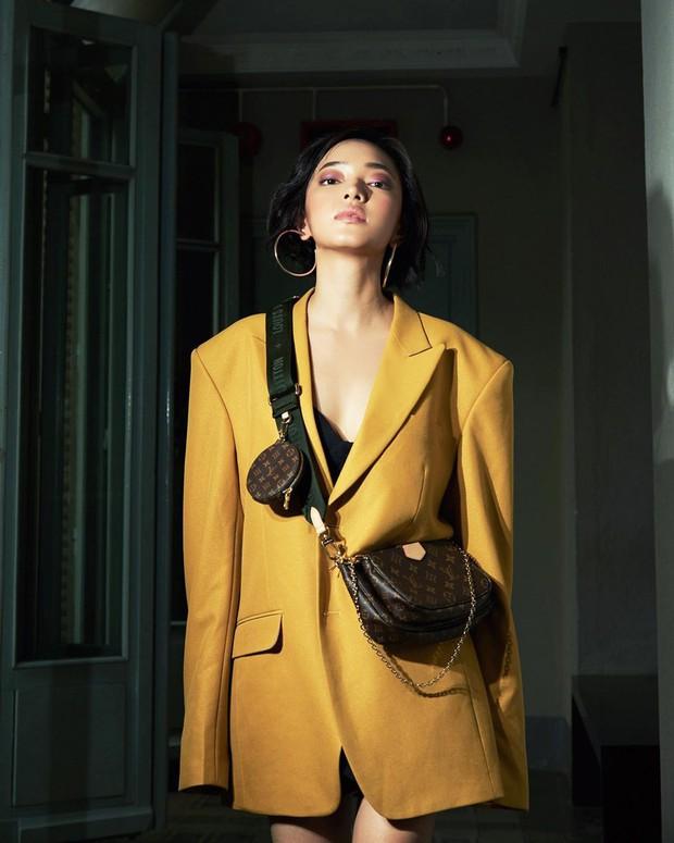 Mua 1 được hẳn 3 lại mix thế nào cũng đẹp, chẳng trách chiếc túi hiệu này được các sao nữ, fashionista khắp muôn nơi mê tít - Ảnh 13.