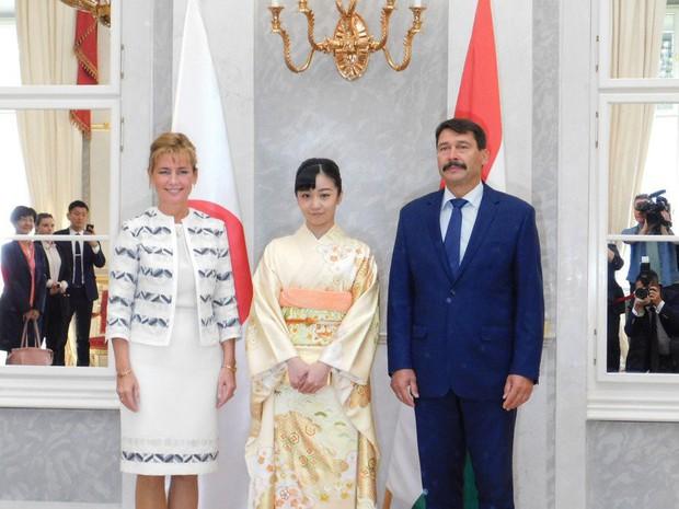 Sau màn lột xác ngoạn mục, Công chúa Nhật Bản gây thất vọng với vẻ ngoài kém sắc vì sự lựa chọn thiếu tinh tế trong chuyến đi mới nhất - Ảnh 3.
