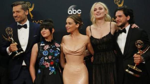 Game of Thrones ẵm Emmy 2019: Nghe vô lý đùng đùng mà ngẫm lại thấy cực thuyết phục? - Ảnh 1.