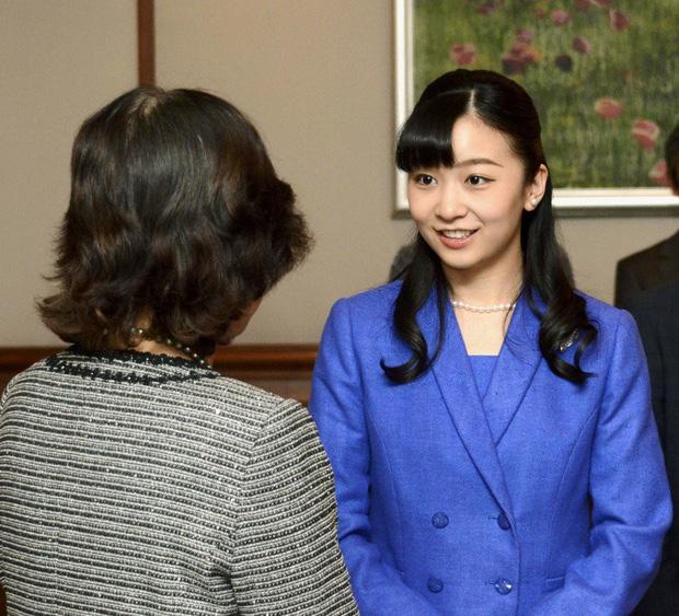 Sau màn lột xác ngoạn mục, Công chúa Nhật Bản gây thất vọng với vẻ ngoài kém sắc vì sự lựa chọn thiếu tinh tế trong chuyến đi mới nhất - Ảnh 5.