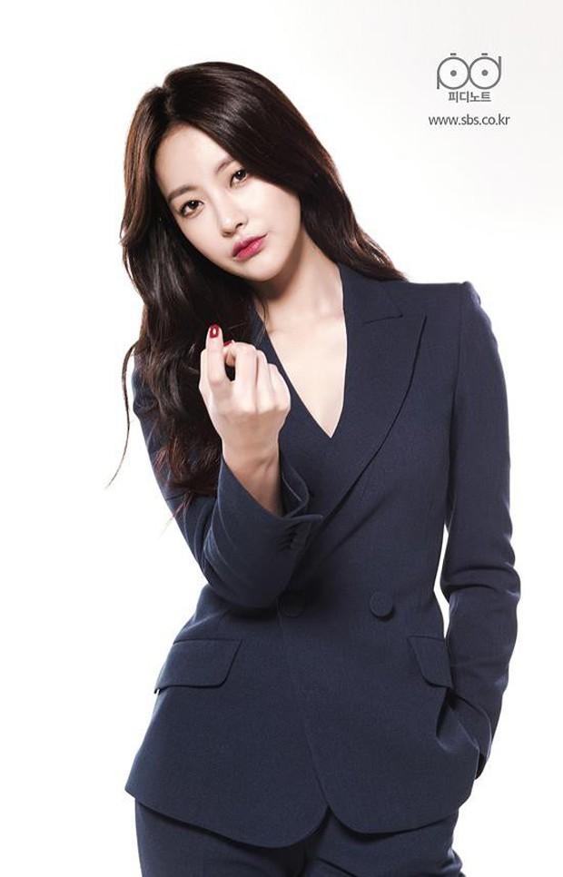 5 pha làm màu rùng mình trên phim Hàn: Mợ chảnh Jeon Ji Hyun là thánh sống ảo, Kim Ji Won làm aegyo gây sốt cả châu Á - Ảnh 12.