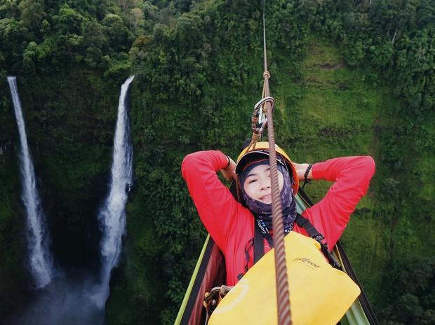 Muốn thử cảm giác mạnh ở Lào, đu đưa ngay trên võng và uống cafe giữa thác nước cao 140m này đi! - Ảnh 19.