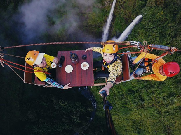 Muốn thử cảm giác mạnh ở Lào, đu đưa ngay trên võng và uống cafe giữa thác nước cao 140m này đi! - Ảnh 18.