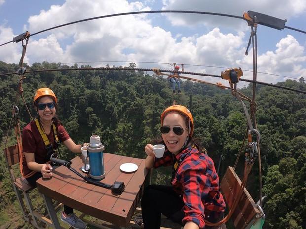 Muốn thử cảm giác mạnh ở Lào, đu đưa ngay trên võng và uống cafe giữa thác nước cao 140m này đi! - Ảnh 17.