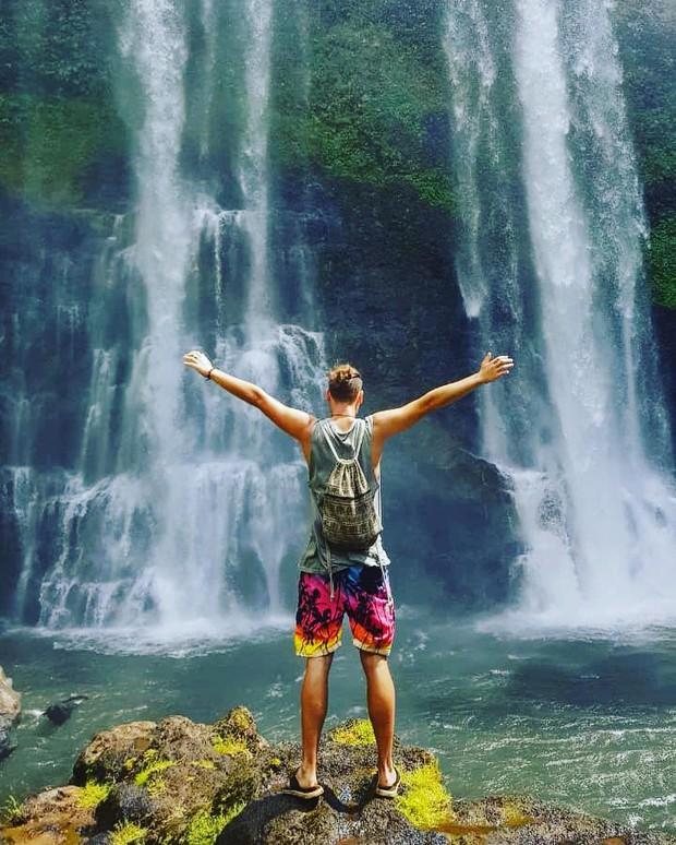 Muốn thử cảm giác mạnh ở Lào, đu đưa ngay trên võng và uống cafe giữa thác nước cao 140m này đi! - Ảnh 3.