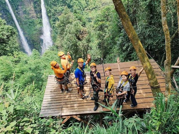 Muốn thử cảm giác mạnh ở Lào, đu đưa ngay trên võng và uống cafe giữa thác nước cao 140m này đi! - Ảnh 13.