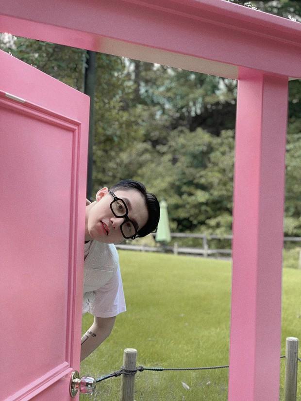 """Bí ẩn của ngày: Bảo tàng Doraemon ở Nhật có gì mà khiến Sơn Tùng nổi hứng chụp ảnh """"cưa sừng làm nghé"""" thế này? - Ảnh 1."""