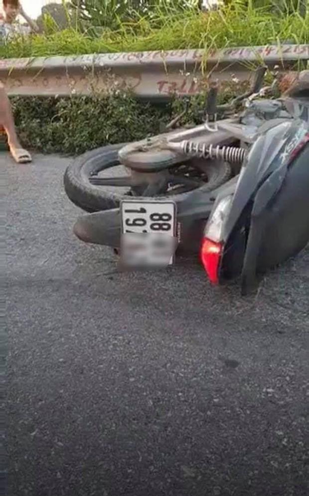 Vụ tai nạn làm 3 mẹ con tử vong, người bố bị thương nặng ở Hà Nội: Có khả năng xe máy tự ngã - Ảnh 1.