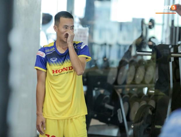 Cầu thủ từng chê tuyển Việt Nam bị HLV Park nắn gân ngay trong buổi tập đầu tiên - Ảnh 5.