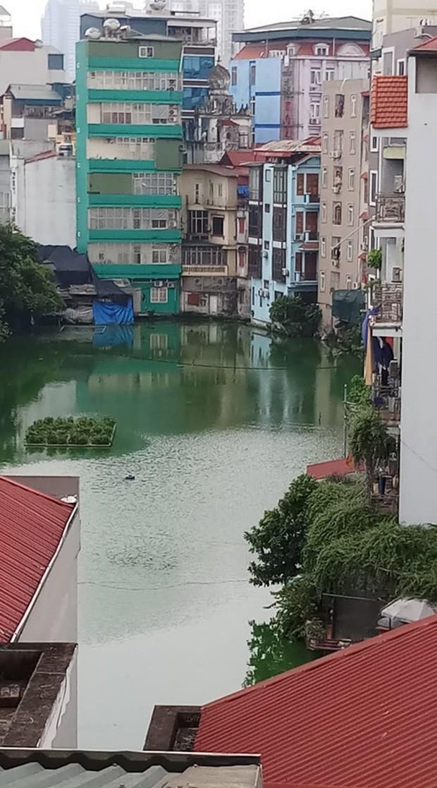 """4 địa điểm """"sống ảo"""" ở Hà Nội lên hình long lanh mà ngoài đời thì… hên xui, 2 nơi cuối còn nguy hiểm đến cả tài sản và tính mạng mà dân tình vẫn đổ xô tới - Ảnh 4."""