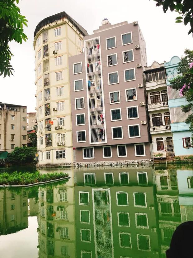 """4 địa điểm """"sống ảo"""" ở Hà Nội lên hình long lanh mà ngoài đời thì… hên xui, 2 nơi cuối còn nguy hiểm đến cả tài sản và tính mạng mà dân tình vẫn đổ xô tới - Ảnh 3."""