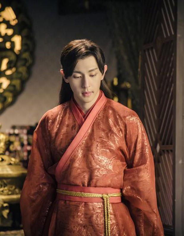 5 nam thần bận áo đỏ chứng tỏ đẹp trai màn ảnh Hoa ngữ: Nhìn Tiêu Chiến mặc, đảm bảo ai cũng đòi làm cô dâu - Ảnh 8.