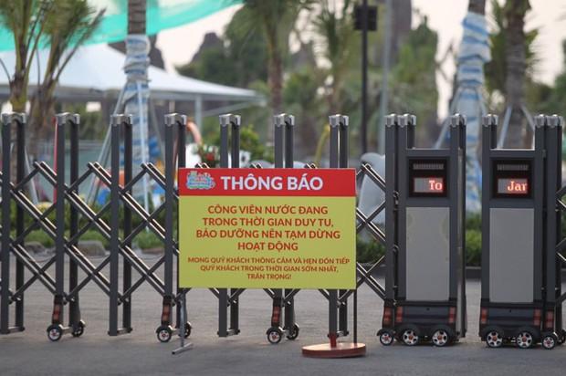 Sau vụ bé trai 6 tuổi đuối nước tử vong, công viên nước Thanh Hà đóng cửa, treo biển đang duy tu, bảo dưỡng - Ảnh 2.