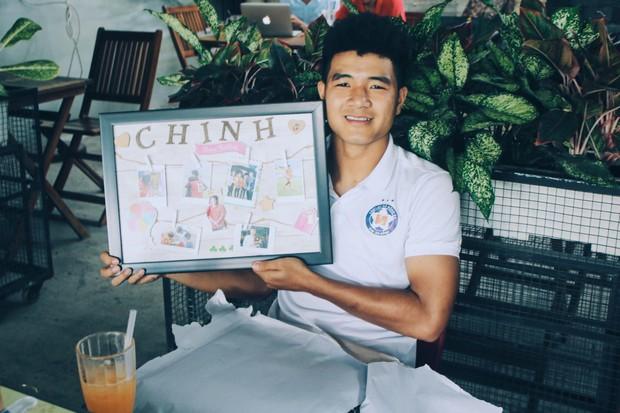 Dàn tuyển thủ Việt Nam tụ họp mừng sinh nhật Hà Đức Chinh, vui hết nấc nhưng món quà đặc biệt mới chiếm spotlight! - Ảnh 3.
