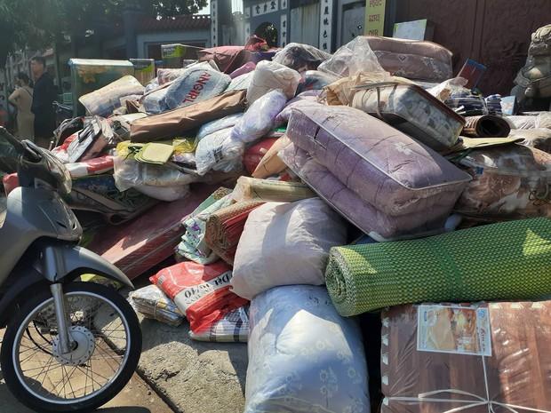 Hà Nội: Cháy hàng loạt ki ốt tại chợ Tó - Đông Anh, tiểu thương hốt hoảng ôm hàng bỏ chạy - Ảnh 5.