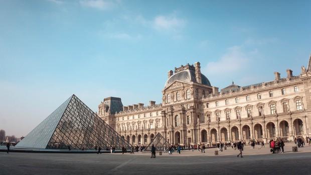 Choáng: Kỳ Duyên và Minh Triệu lả cả người vì phải xếp hàng 3 tiếng mới được vào bảo tàng ở Paris, tình trạng quá tải du lịch đáng báo động! - Ảnh 5.