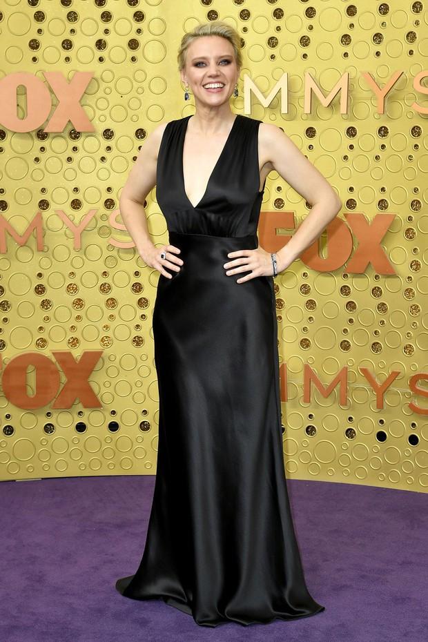 Siêu thảm tím Emmy 2019: Chị em Kim - Kendall xuất sắc đến mức lấn át mẹ Rồng, dàn sao khủng lộng lẫy ngút ngàn - Ảnh 12.