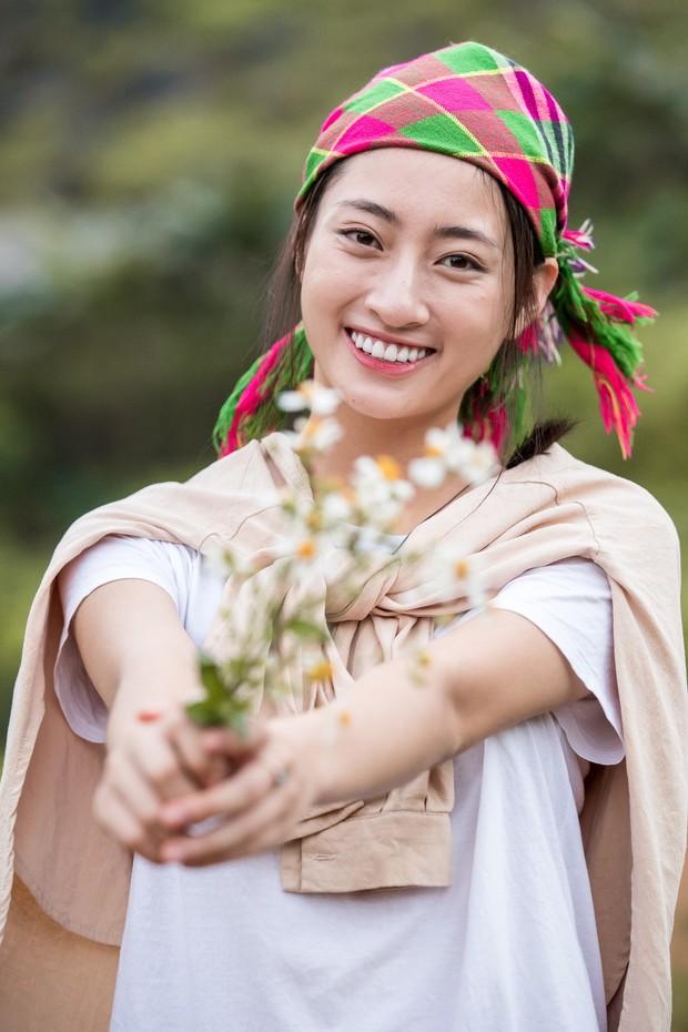Lương Thùy Linh để mặt mộc vẫn xinh rạng rỡ, quyết lập kỳ tích tại Miss World 2019 với dự án mở đường ở Cao Bằng - Ảnh 1.