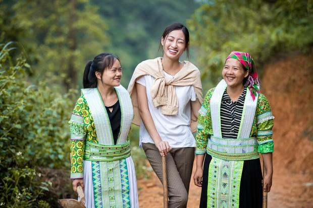 Lương Thùy Linh để mặt mộc vẫn xinh rạng rỡ, quyết lập kỳ tích tại Miss World 2019 với dự án mở đường ở Cao Bằng - Ảnh 2.