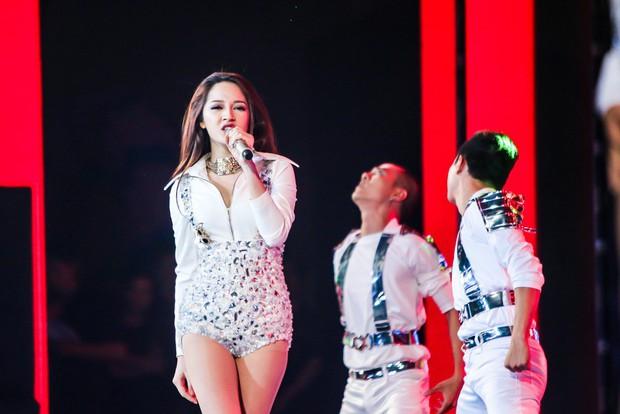 7 năm đi hát của Bảo Anh: Từ Taylor Swift Việt Nam, nữ hoàng nước mắt và giờ là Bảo Anh không cần thêm danh xưng gì cả - Ảnh 4.