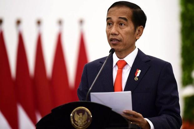Sợ phải đi tù vì ăn cơm trước kẻng, du khách đua nhau hủy du lịch ở đảo Bali - Ảnh 3.