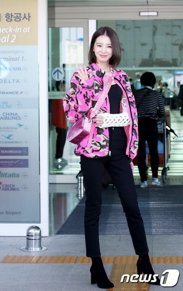 Màn đọ sắc xuất thần gây bão sân bay: Rosé (BLACKPINK) đẹp đỉnh cao, làm lu mờ cả Suzy và chân dài cực chất - Ảnh 12.