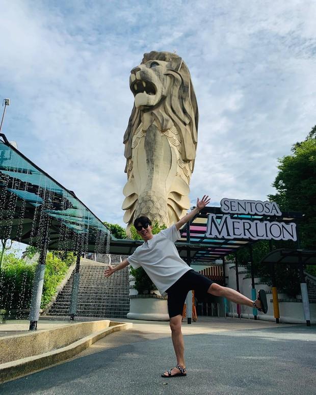 HOT: Bức tượng sư tử biển nổi tiếng trên đảo Sentosa ở Singapore sắp bị dỡ bỏ, dân mạng tiếc nuối tranh cãi dữ dội - Ảnh 12.