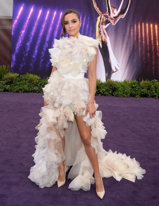 Siêu thảm tím Emmy 2019: Chị em Kim - Kendall xuất sắc đến mức lấn át mẹ Rồng, dàn sao khủng lộng lẫy ngút ngàn - Ảnh 19.