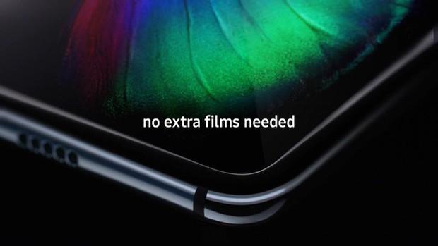 Nâng như nâng trứng: Samsung khuyến cáo đừng chạm quá mạnh vào màn hình Galaxy Fold để tránh làm hỏng máy - Ảnh 1.