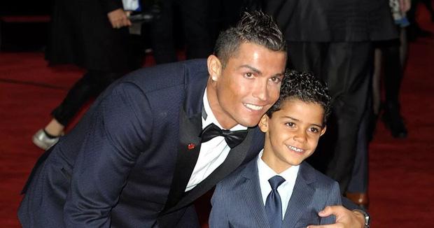 Ronaldo nổi tiếng đào hoa, sát gái nhưng không ngờ trong việc dạy con lại vô cùng chỉn chu và đáng ngưỡng mộ - Ảnh 1.