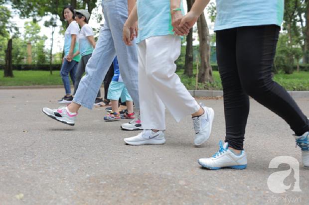 Cô gái Việt bị ung thư phổi giai đoạn cuối, đã cắt 1/3 lá phổi vẫn có thể đi bộ 16km lên núi - Ảnh 2.