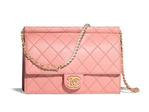 Rút kinh nghiệm từ vụ hàng fake để đời, Huỳnh Phương tặng hẳn túi Chanel hơn 100 triệu để Sĩ Thanh đập hộp - Ảnh 4.