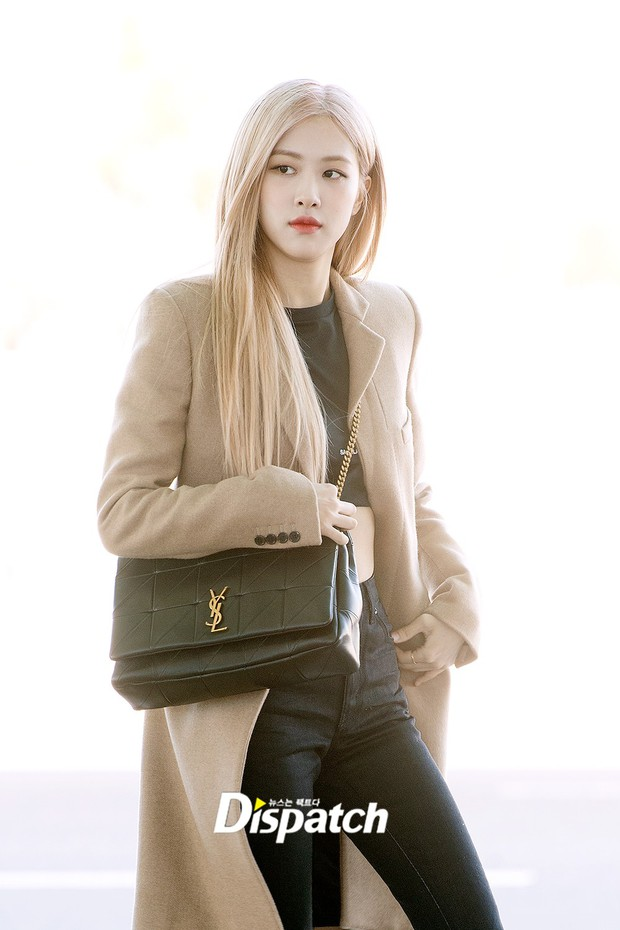 Màn đọ sắc xuất thần gây bão sân bay: Rosé (BLACKPINK) đẹp đỉnh cao, làm lu mờ cả Suzy và chân dài cực chất - Ảnh 4.