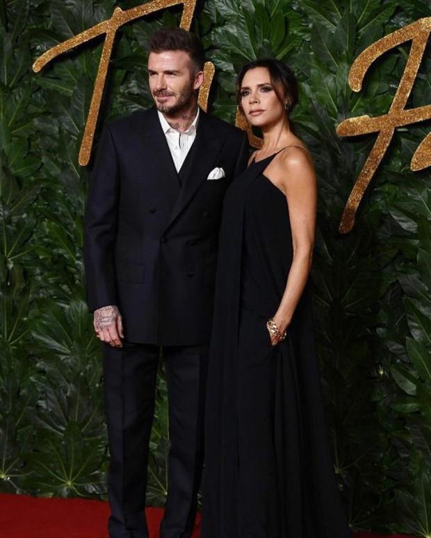 Ngoài cá hồi, Victoria Beckham còn trung thành với loại quả giàu chất béo để duy trì làn da không tì vết - Ảnh 1.